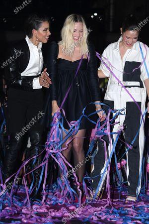 Jurnee Smollett-Bell and Margot Robbie