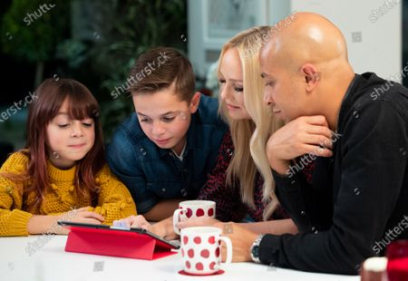 Stock Picture of Emma Bunton & her family sign up for the Vodafone Pledge