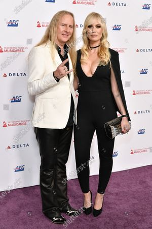 Jerry Cantrell and CariDee English