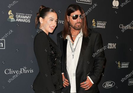 Stock Picture of Hailee Steinfeld and Billy Ray Cyrus