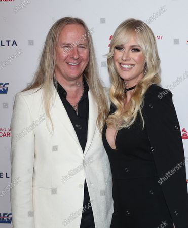 Stock Image of Jerry Cantrell, CariDee English
