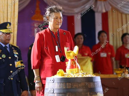 Thailand's Princess Maha Chakri Sirindhorn (2-L) to presided over the Chinese New Year ceremony at Chinatown in Bangkok, Thailand, 25 January 2020. The Lunar New Year, also known as Spring Festival in China and Tet in Vietnam, falls on 25 January 2020, marking the beginning of the Year of the Rat.