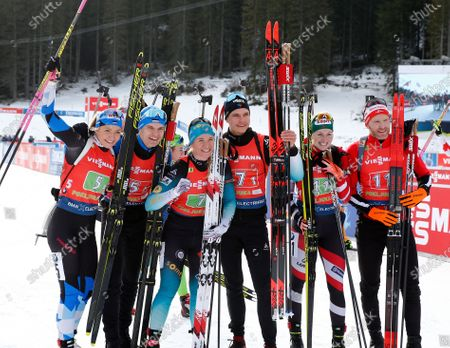 (L-R) Second placed Regina Oja and Rene Zahkna of Estonia, winners Anais Bescond and Emilien Jacquelin of France, third placed Lisa Theresa Hauser and Simon Eder of Austria celebrate after the Single Mixed Relay competition of the Biathlon World Cup at Pokljuka Mount, Slovenia, 25 January 2020.