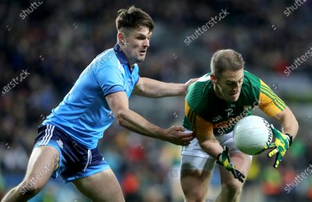 Dublin vs Kerry. Dublin's Eric Lowndes and Stephen O'Brien of Kerry