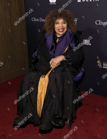 Roberta Flack arrives at the Pre-Grammy Gala And Salute To Industry Icons at the Beverly Hilton Hotel, in Beverly Hills, Calif
