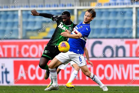 Sassuolo's Pedro Obiang (L) and Sampdoria's Albin Ekdal in action during the Italian Serie A soccer match between Sampdoria and Sassuolo at the Luigi Ferraris stadium in Genoa, Italy, 26 January 2020.