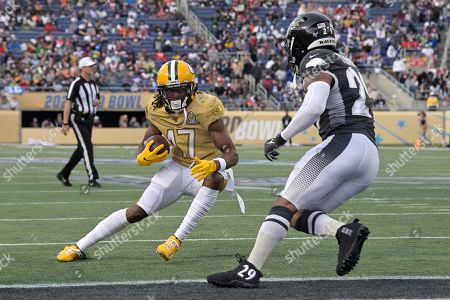 LPGA Diamond Resorts Tournament of Champions. NFC wide receiver Davante Adams (17), of the Green Bay Packers, scores a touchdown in front of AFC free safety Earl Thomas (29), of the Baltimore Ravens, on a 13-yard reception during the second half of the NFL Pro Bowl football game in Orlando, Fla