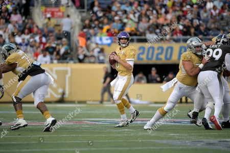 LPGA Diamond Resorts Tournament of Champions. NFC quarterback Kirk Cousins (8), of the Minnesota Vikings, sets up to throw a pass during the second half of the NFL Pro Bowl football game against the AFC in Orlando, Fla