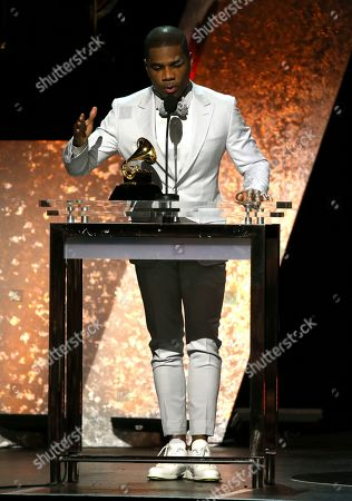 """Kirk Franklin accepts the award for best gospel performance/song for """"Love Theory"""" at the 62nd annual Grammy Awards, in Los Angeles"""