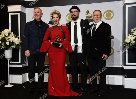 """Joyce DiDonato, Chuck Israels, Charlie Porter, Craig Terry. Craig Terry, from left, Joyce DiDonato, Charlie Porter and Chuck Israels pose in the press room with the award for best classical vocal solo album for """"Songplay"""" at the 62nd annual Grammy Awards at the Staples Center, in Los Angeles"""