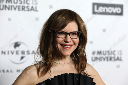 Lisa Loeb attends Universal Music Group's 2020 Grammy After Party Presented By Lenovo on in Los Angeles