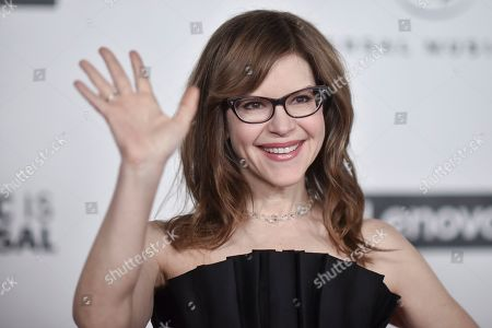 Lisa Loeb attends the Universal Music Group 2020 Grammy after party at Rolling Greens, in Los Angeles