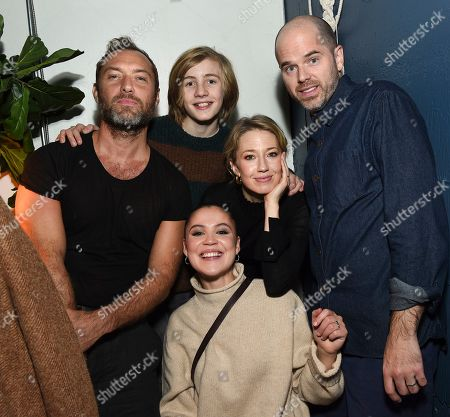 "Jude Law, Charlie Shotwell, Oona Roche, Carrie Coon, Sean Durkin. IMAGE DISTRIBUTED FOR CHASE SAPPHIRE - From left, Jude Law, Charlie Shotwell, Oona Roche, Carrie Coon and Sean Durkin are seen at the ""The Nest"" cast party at Chase Sapphire on Main at Sundance Film Festival 2020 on in Park City, Utah"