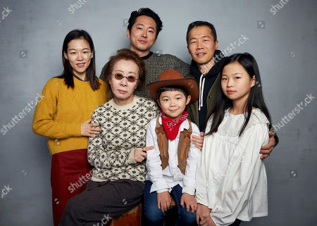 """Han Yeri, Steven Yeun, Lee Isaac Chung, Youn Yuh-jung, Alan Kim, Noel Cho. Han Yeri, from top left, Steven Yeun, director Lee Isaac Chung, Youn Yuh-jung, from bottom left, Alan Kim, and Noel Cho pose for a portrait to promote the film """"Minari"""" at the Music Lodge during the Sundance Film Festival, in Park City, Utah"""