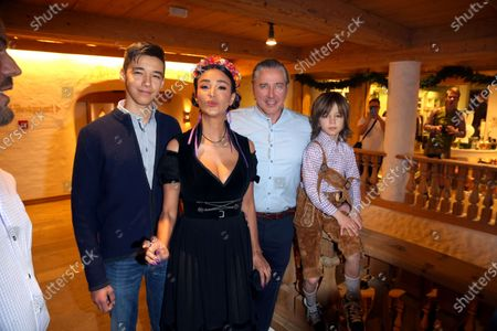 Stock Image of Verona Pooth, Franjo, Sohn San Diego and Rocco Ernesto