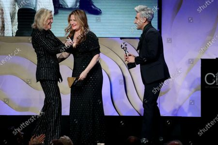 "Catherine O'Hara accepting on behalf of Debra Hanson - Excellence in Contemporary Television - 'SchittÕs Creek: ""The Dress""' - Presented by Ana Gasteyer and Tan France"