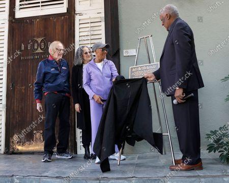 Ken Kragen, Gina Belafonte, Dionne Warwick and Lloyd Greig