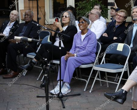 Gina Belafonte and Dionne Warwick
