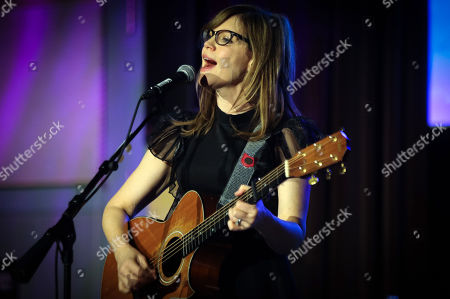 Stock Picture of Lisa Loeb