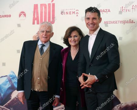 Spanish Vice President, Carmen Calvo (C), Italian producer and CEO of Mediaset, Paolo Vasile (R), and Spanish TV host Jesus Vazquez (R) pose during the presentation of the film 'Adu' in Madrid, Spain, 28 January 2020 (issued 29 January 2020).  The film, directed by Spanish director Salvador Calvo, narrates the drama behind migration in Melilla, Spanish enclave on the north of Africa.