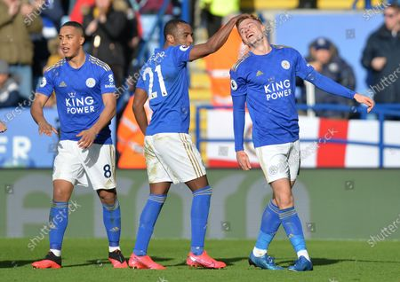 Harvey Barnes of Leicester City celebrates with Ricardo Pereira after scoring his side's first goal