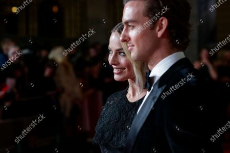 Stock Photo of Margot Robbie and Cameron Robbie