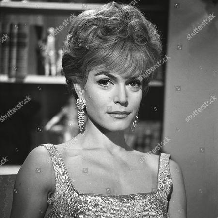 Stock Image of 'The Saint' TV - 1963 - The Saint Sees it Through - Margit Saad