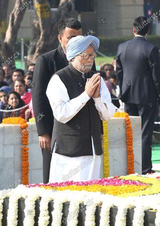 Former Prime Minister Manmohan Singh pays homage