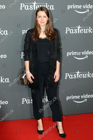 Stock Picture of Alice Dwyer poses on the red carpet for the premiere of the tenth season of 'Pastewka', in Berlin, Germany, 30 January 2020. Pastewka is a German television sitcom that ran initially from 2005 to 2014. German actor Bastian Pastewka stars as a fictionalized version of himself.