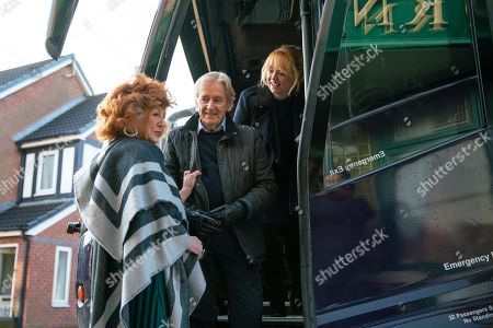 Ep 10000 & 10001 Friday 8th February 2020 Deciding a day trip is something everyone would enjoy Jenny Connor, as played by Sally-Ann Matthews, books a coach and invites lots of the residents to join them. Amy, Audrey, Carla, Eileen, Emma, Evelyn, Gail, Jenny, Ken Barlow, as played by William Roache, Claudia Colby, as played by Rula Lenska, Mary, Nina, Sean, Tracy, Sally, Yasmeen and Rita, clutching Dennis's urn, set off for Blackpool.