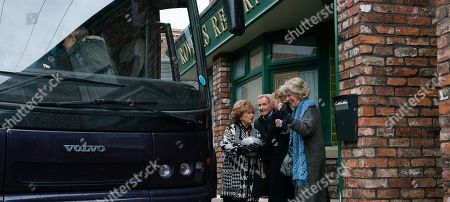 Stock Photo of Ep 10000 & 10001 Friday 8th February 2020 Deciding a day trip is something everyone would enjoy Jenny books a coach and invites lots of the residents to join them. Amy, Audrey Roberts, as played by Sue Nicholls, Carla, Eileen, Emma, Evelyn, Gail Platt, as played by Helen Worth, Jenny, Ken Barlow, as played by William Roache, Claudia, Mary, Nina, Sean Tully, as played by Antony Cotton, Tracy, Sally Metcalfe, as played by Sally Dynevor, Yasmeen and Rita Tanner, as played by Barbara Knox, clutching Dennis's urn, set off for Blackpool.