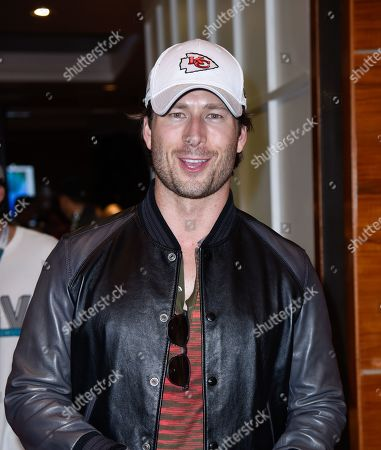 Stock Picture of Glen Powell