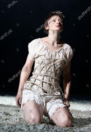 Jodie McNee as Joanna Faustus