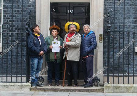 Stock Image of Indigenous Leader L-R, Megaron Txucarramãe, Kayapo leader, Davi Kopenawa Yanomami, Raoni Metuktire, Beprô Metuktire from Brazil deliver a petition to Downing Street