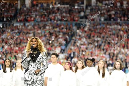 """Yolanda Adams performs """"America the Beautiful"""" before Super Bowl 54, in Miami Gardens, Fla. The Chiefs won the game 31-20"""