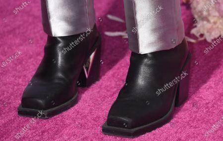 Jordan Fisher, shoe detail