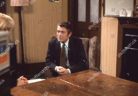 Eric Lander (as Ron Cooke)