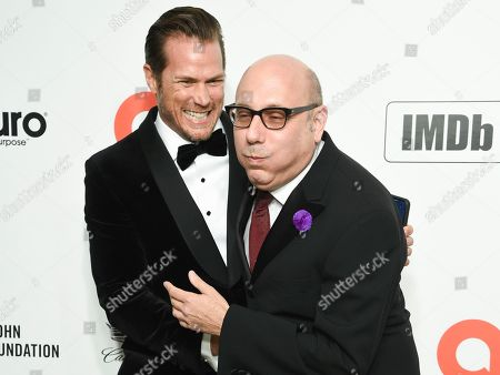 Jason Lewis and Willie Garson