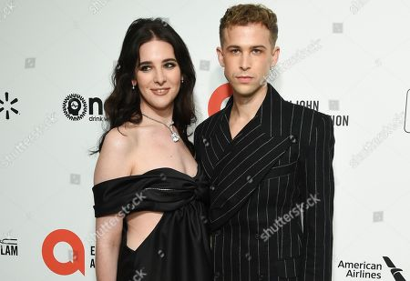 Hari Nef and Tommy Dorfman