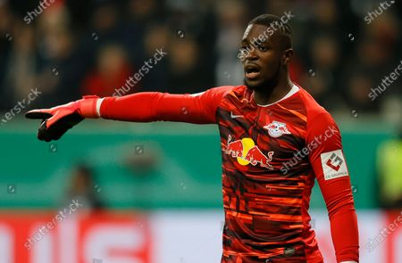 Leipzig's goalkeeper Yvon Mvogo reacts during the German DFB Cup round of sixteen soccer match between Eintracht Frankfurt and RB Leipzig in Frankfurt, Germany, 04 February 2020.