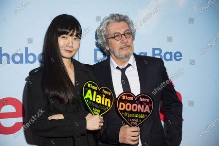 Doona Bae and Alain Chabat