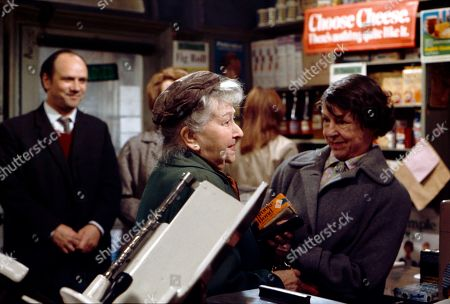 Richard Davies (as Idris Hopkins), Margot Bryant (as Minnie Caldwell) and Jessie Evans (as Granny Hopkins)