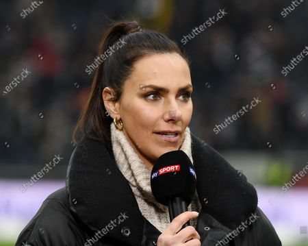 Laura Wontorra   fotografiert beim Fußball Bundesliga Spiel Eintracht Frankfurt gegen RB Leipzig   am 25.01.2020  in Frankfurt DFL regulations prohibit any use of photographs as image sequences and / or quasi-video.