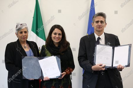 Lucia Lagunes (L), journalist and Director of Communication and Information for Women; Ana Cristina Ruelas, Director of Article 19 (C) and Jean Pierre Bou, Deputy Chief of the Delegation of the European Union in Mexico (R), participate in the signing of an agreement to protect journalists and human rights defenders in Mexico City, Mexico, 05 February 2020.