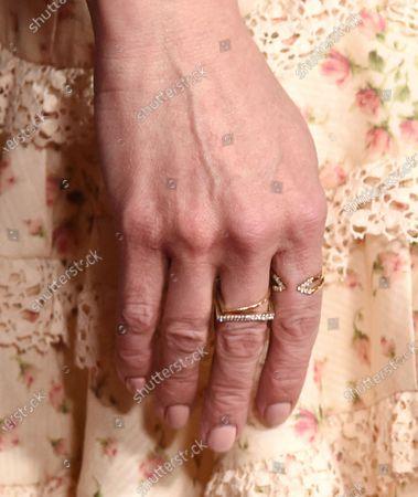 Emilie de Ravin, ring detail