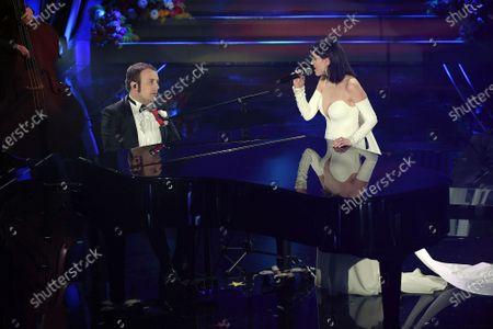Raphael Gualazzi and Simona Molinari