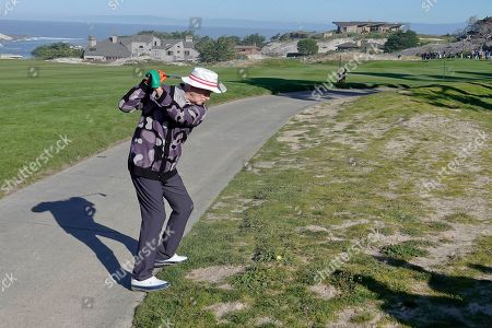 Bill Murray has a tricky shot on the 4th at Spyglass Hill fairway
