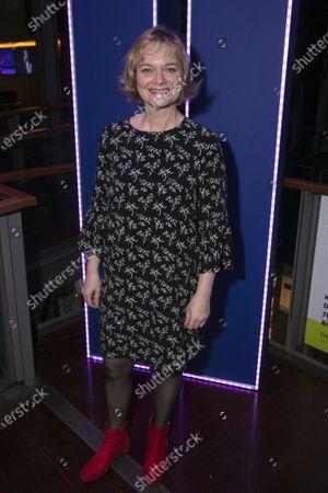 Sarah Woodward (Hannah)