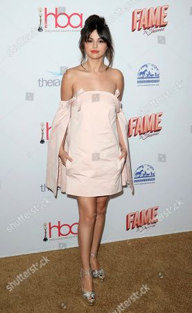 Selena Gomez arrives at the 6th Annual Hollywood Beauty Awards at the Taglyan Complex, in Los Angeles