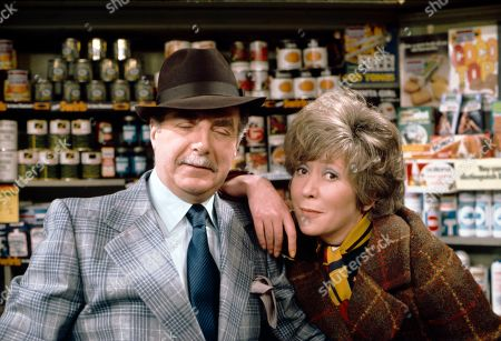 Reginald Marsh (as Dave Smith) and Maggie Jones (as Blanche Hunt)